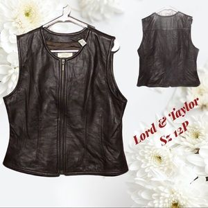 Lord & Taylor - Sz 12P - brown leather vest 🤩